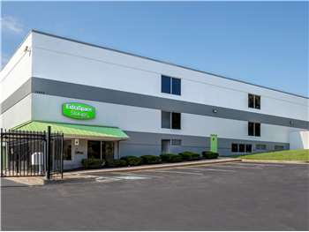 Image of Extra Space Self Storage Facility on 10400 Old Columbia Rd in Columbia, MD