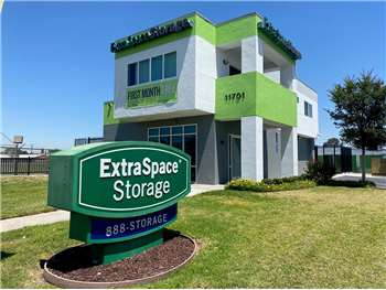 Image of Extra Space Self Storage Facility on 11701 Slauson Ave in Santa Fe Springs, CA
