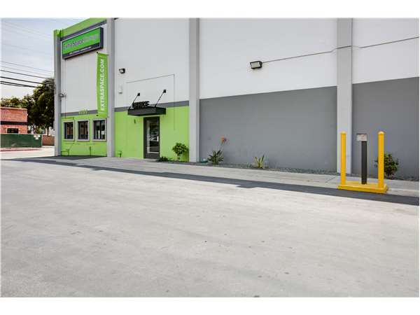 Image of Extra Space Storage Facility on 4095 Glencoe Ave in Marina del Rey, CA