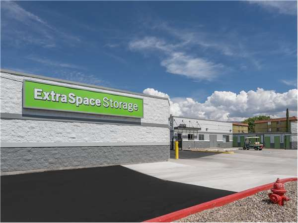 Image of Extra Space Storage Facility on 6917 Montgomery Blvd NE in Albuquerque, NM