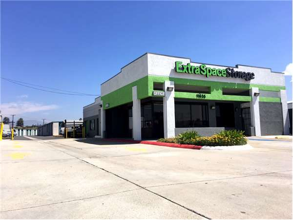 Image of Extra Space Storage Facility on 11635 Washington Blvd in Whittier, CA