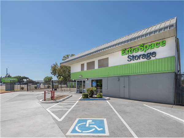 Image of Extra Space Storage Facility on 1353 Florin Rd in Sacramento, CA