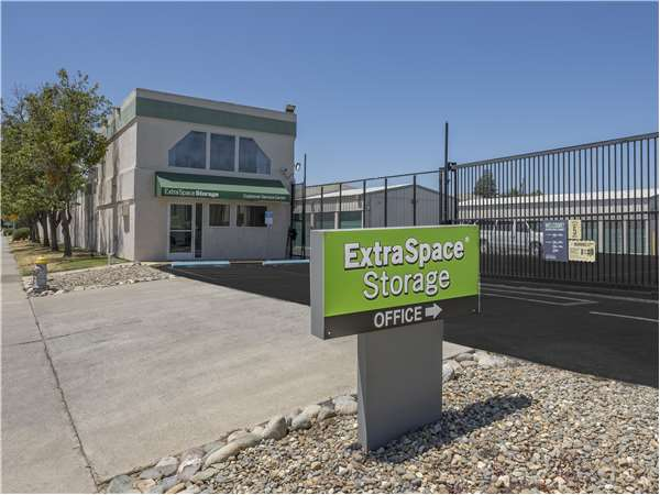 Image of Extra Space Storage Facility on 5051 Perry Ave in Sacramento, CA