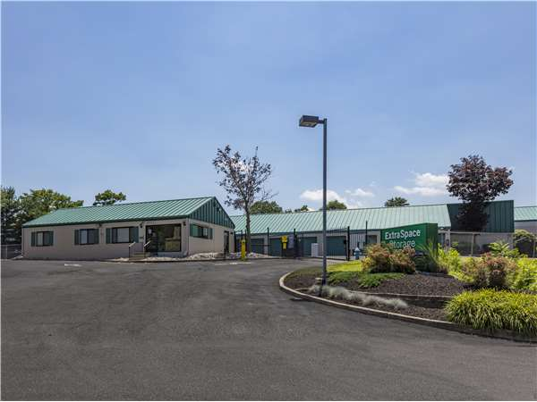 Image of Extra Space Storage Facility on 103 Ark Rd in Mt Laurel, NJ