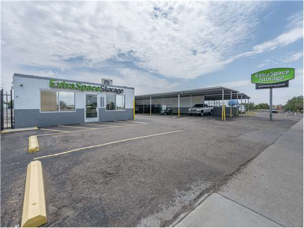 Image of Extra Space Storage Facility on 11930 Central Ave SE in Albuquerque, NM