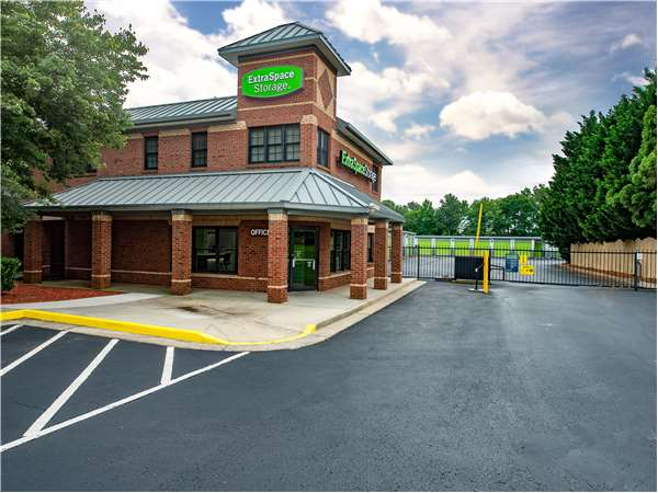 Image of Extra Space Storage Facility on 855 N Main St in Alpharetta, GA