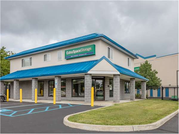 Image of Extra Space Storage Facility on 95 Main St in Eatontown, NJ