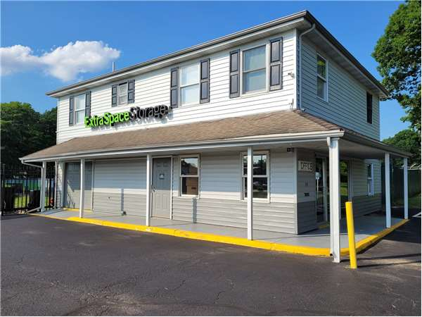 Image of Extra Space Storage Facility on 339 White Horse Pike N in Lawnside, NJ