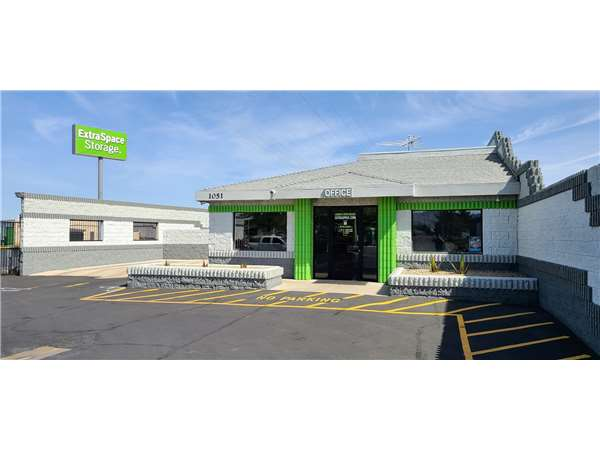 Image of Extra Space Storage Facility on 1051 Stephanie Pl in Henderson, NV
