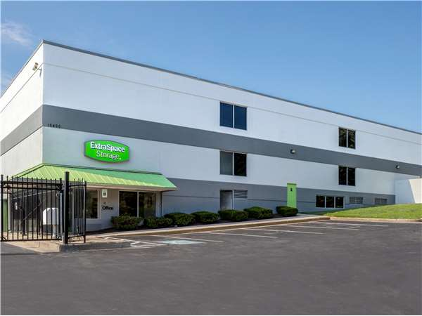 Image of Extra Space Storage Facility on 10400 Old Columbia Rd in Columbia, MD