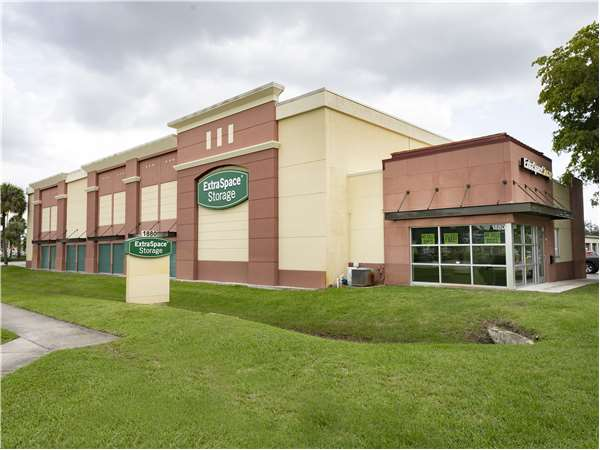 Image of Extra Space Storage Facility on 1880 N State Road 7 in Margate, FL