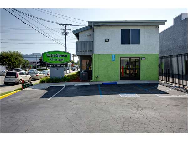 Image of Extra Space Storage Facility on 175 W Verdugo Ave in Burbank, CA