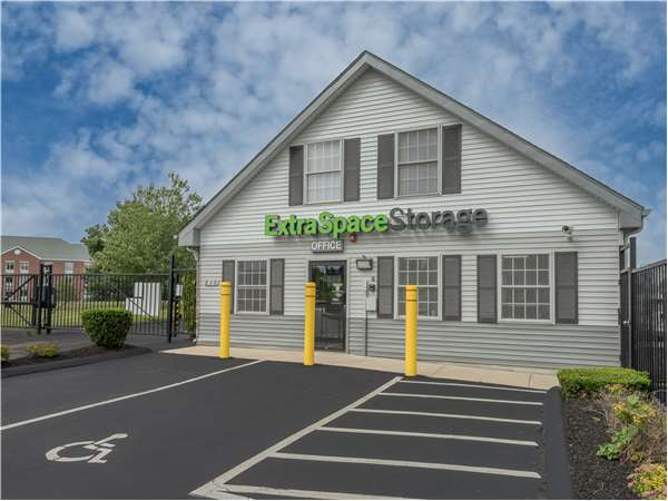 Image of Extra Space Storage Facility on 215 Gold Star Hwy in Groton, CT