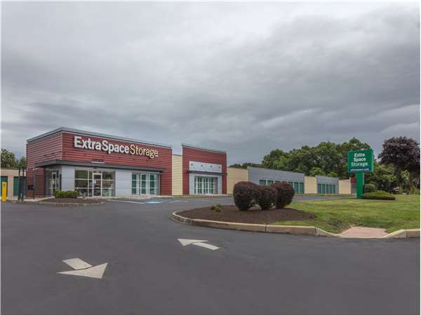 Image of Extra Space Storage Facility on 2540 County Road 516 in Old Bridge, NJ