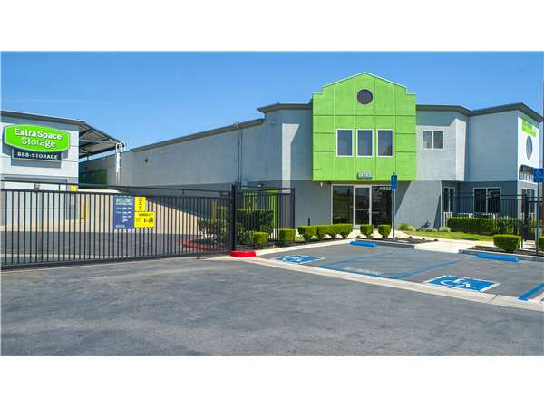 Image of Extra Space Storage Facility on 11423 Vanowen St in North Hollywood, CA
