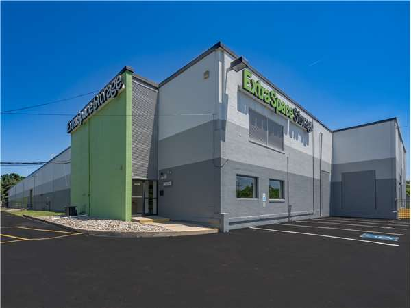 Image of Extra Space Storage Facility on 2870 Brunswick Pike in Trenton, NJ