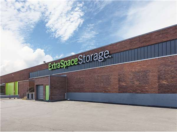Image of Extra Space Storage Facility on 122 Allied Dr in Dedham, MA