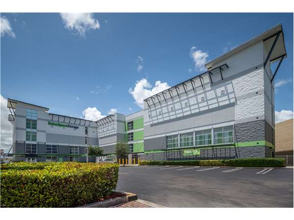 Image of Extra Space Storage Facility on 2995 W Okeechobee Rd in Hialeah, FL