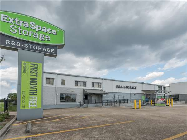 Image of Extra Space Storage Facility on 1120 S Jefferson Davis Pkwy in New Orleans, LA
