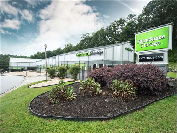 Image of Extra Space Storage Facility on 8115 Roswell Rd in Atlanta, GA
