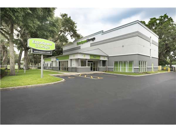 Image of Extra Space Storage Facility on 2402 Bloomingdale Ave in Valrico, FL