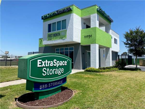 Image of Extra Space Storage Facility on 11701 Slauson Ave in Santa Fe Springs, CA