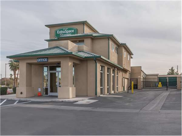 Image of Extra Space Storage Facility on 3225 N Jones Blvd in Las Vegas, NV