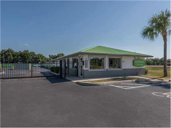 Image of Extra Space Storage Facility on 2190 Harden Blvd in Lakeland, FL