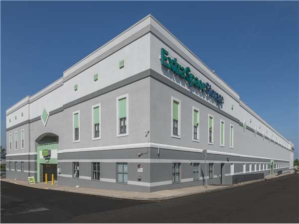 Image of Extra Space Storage Facility on 1415 Bergen Blvd in Fort Lee, NJ