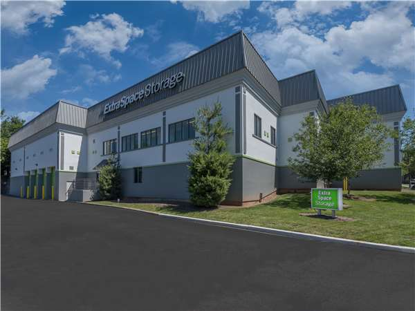 Image of Extra Space Storage Facility on 2035 Route 22 West in Union, NJ