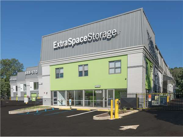 Image of Extra Space Storage Facility on 1559 Route 22 in Watchung, NJ