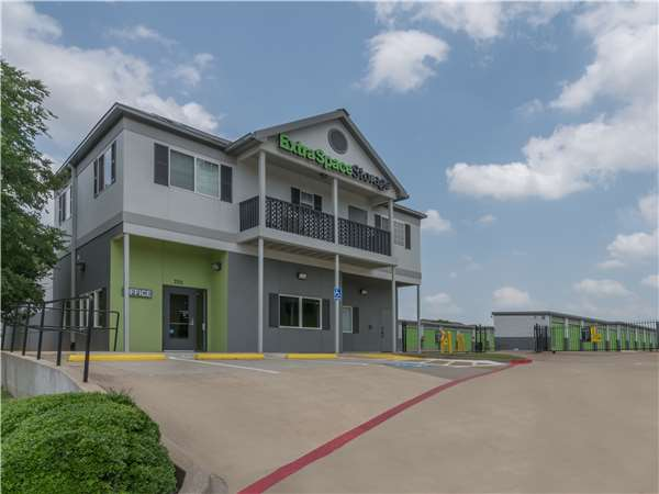 Image of Extra Space Storage Facility on 701 E Mid Cities Blvd in Euless, TX
