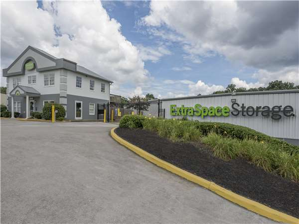 Image of Extra Space Storage Facility on 3600 Wade Hampton Blvd in Taylors, SC