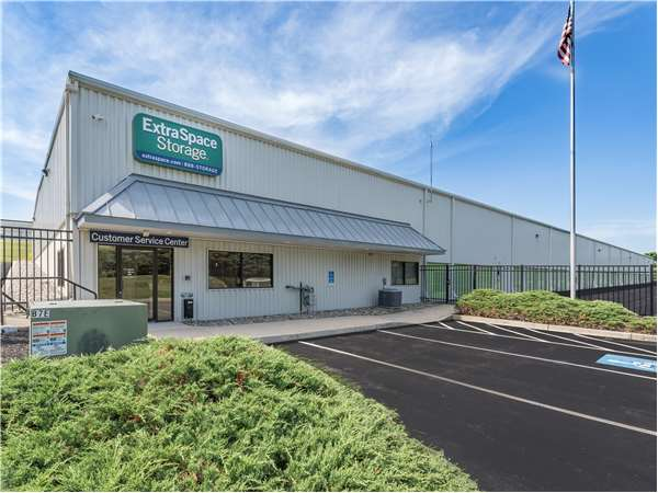 Image of Extra Space Storage Facility on 1008 Greenhill Rd in West Chester, PA