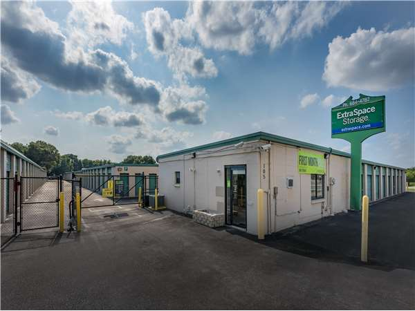 Image of Extra Space Storage Facility on 105 S Falkenburg Rd in East Tampa, FL