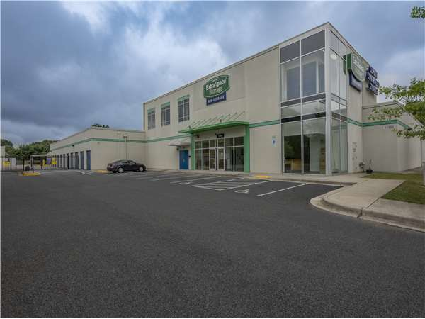 Image of Extra Space Storage Facility on 3939 W Market St in Greensboro, NC