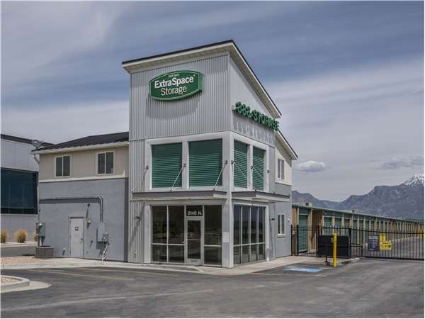 Image of Extra Space Storage Facility on 2148 North Stagecoach Dr in Saratoga Springs, UT