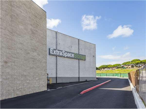 Image of Extra Space Storage Facility on 98-710 Kuahao Pl in Pearl City, HI
