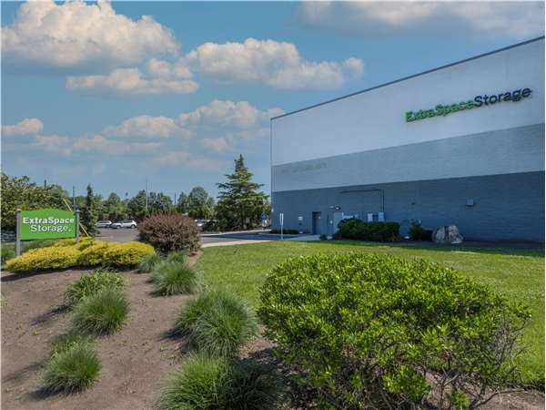 Image of Extra Space Storage Facility on 310 Snyder Ave in Berkeley Heights, NJ