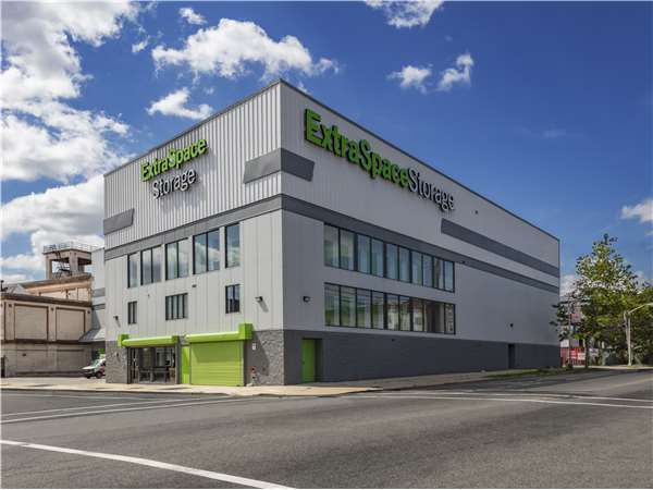 Image of Extra Space Storage Facility on 320-324 Elizabeth Ave in Newark, NJ