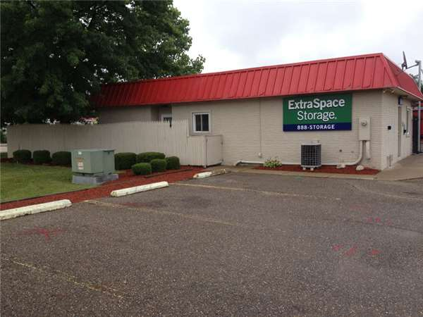 Image of Extra Space Storage Facility on 4820 Frank Rd NW in North Canton, OH